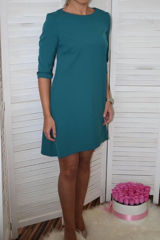 2cfa1bd115b3 Jednoduché šaty s trištvrťovými rukávmi. ZOBRAZIŤ