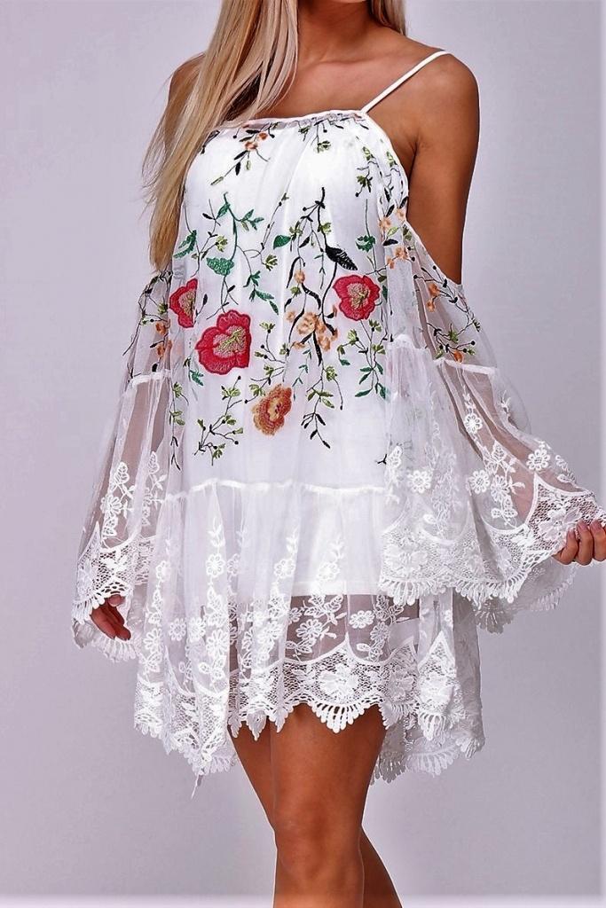 d029f8a09eb6 Luxusné čipkované tunikové šaty. ZOBRAZIŤ